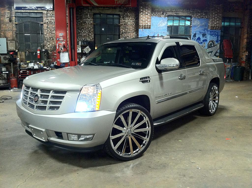 Cadillac - Escalade -  - Wheels & Tires
