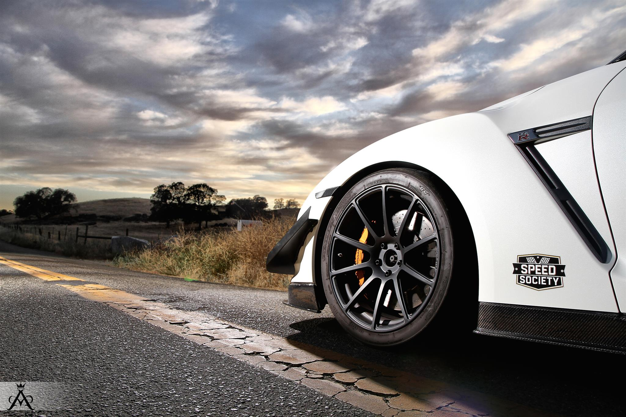 Nissan - GT-R -  - Wheels & Tires